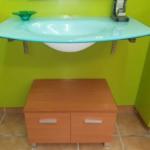 Mueble buk con lavabo de cristal